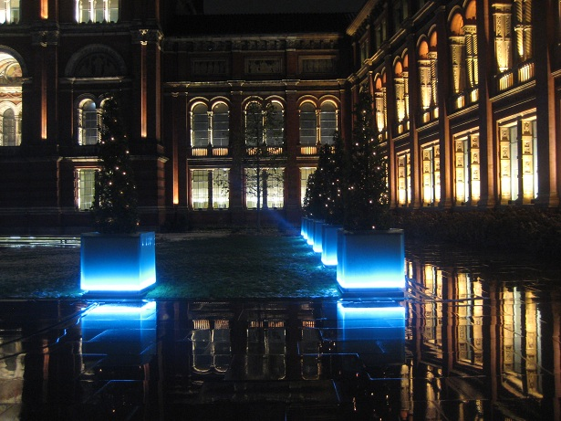 V&A courtyard at Christmastime